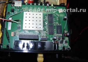 Припаять CP2102 USB UART к плате роутера (2)